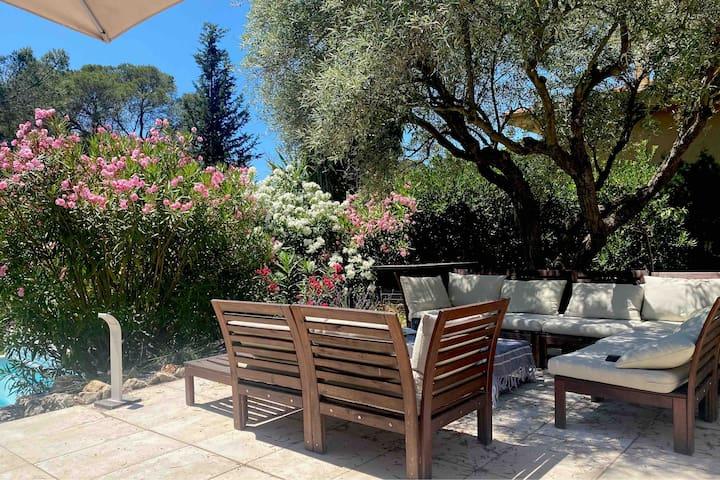Mas Nanou Saint Raphael 3 bedrooms heated pool