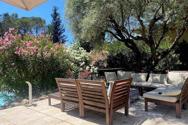 Mas Nanou Saint Raphael 3 bedrooms heated pool