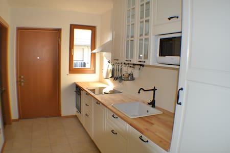Un piccolo angolo di paradiso - Lana - Apartment