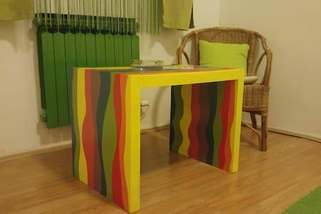 Simple and green double room - Velika Mlaka