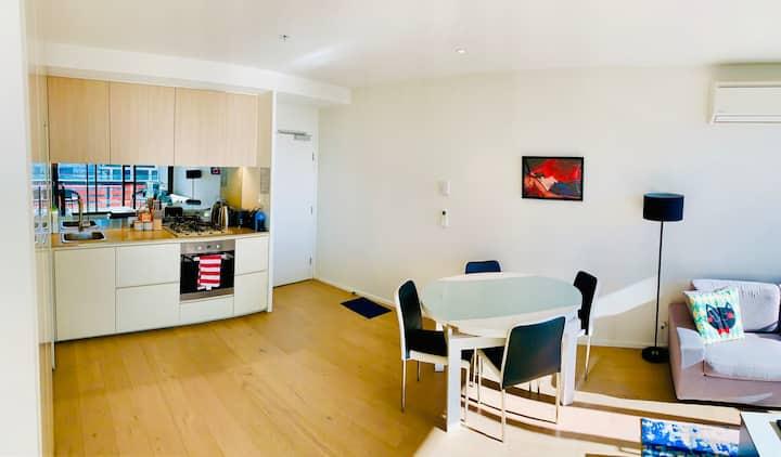 Melbourne CBD City View Apartment 2 bedroom