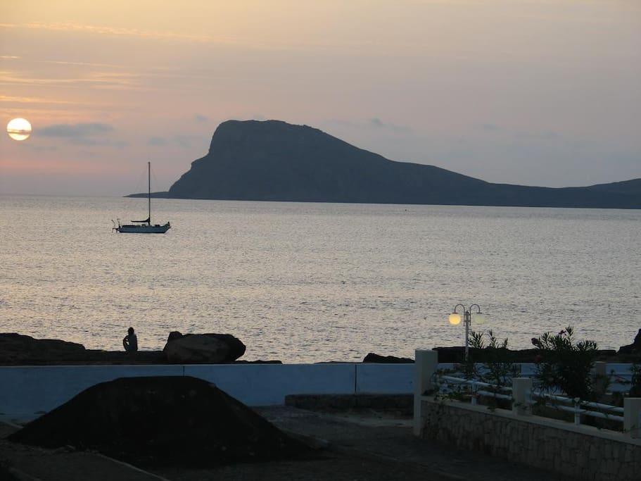 Murdeira Bay at dusk
