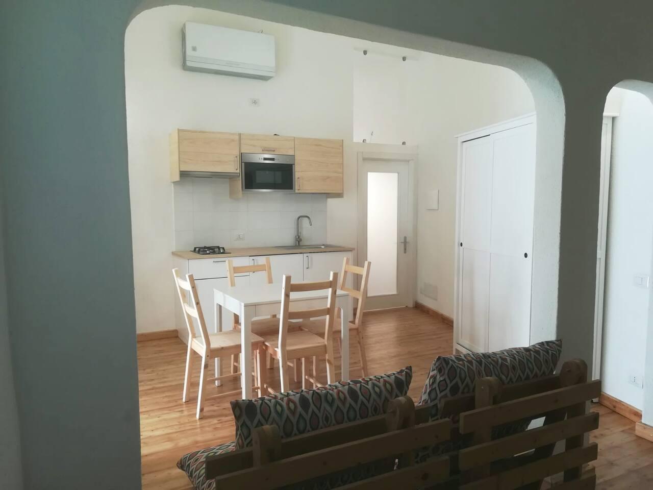 ingresso cucina soggiorno