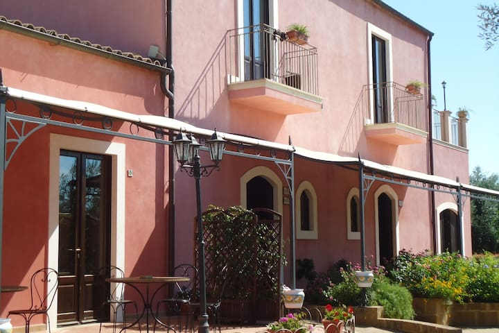 Inviting Holiday Home in Carlentini with Pool