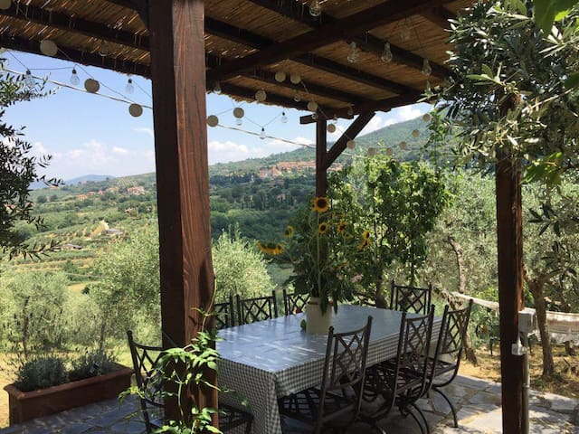 Umbrian Apartment With Panoramic Garden View - Paciano - Apartmen