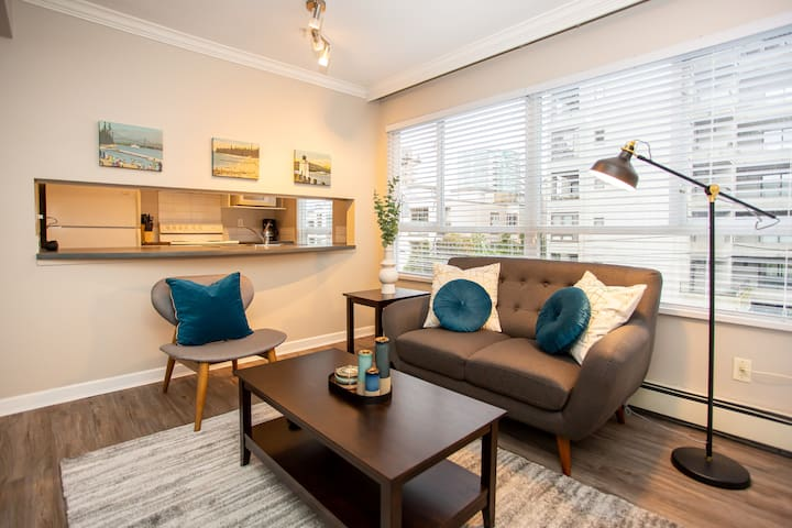 1 bedroom Suite Downtown Vancouver - The Bradford