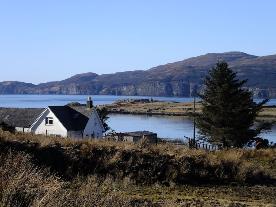 Lovely walks at the rear of Loch Bracadale cottage
