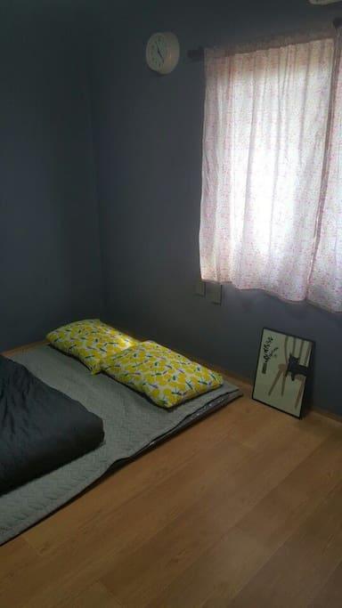 2번째 방 침실