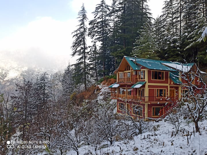 Swarg Eco-friendly Home | Apple Suite #WFMountain#