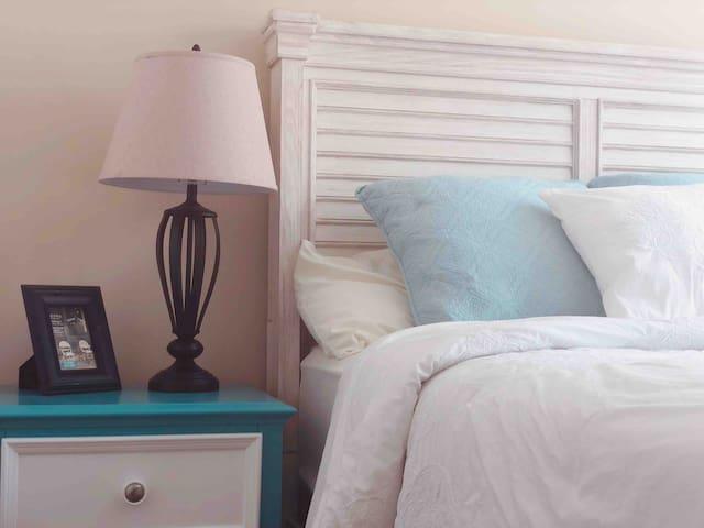 尔湾舒适套房,独立卫生间,高档家具床垫,拎包入住