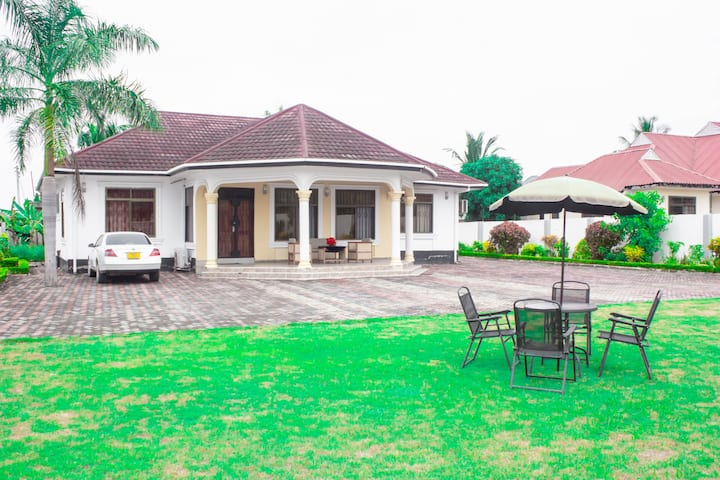 Villa for Family or Group of People & Restaurant
