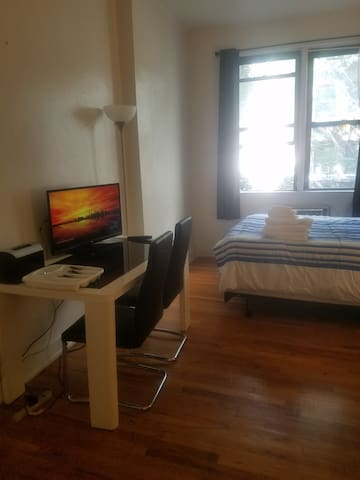 Quiet & Close to All + Washer/Dryer in Chelsea