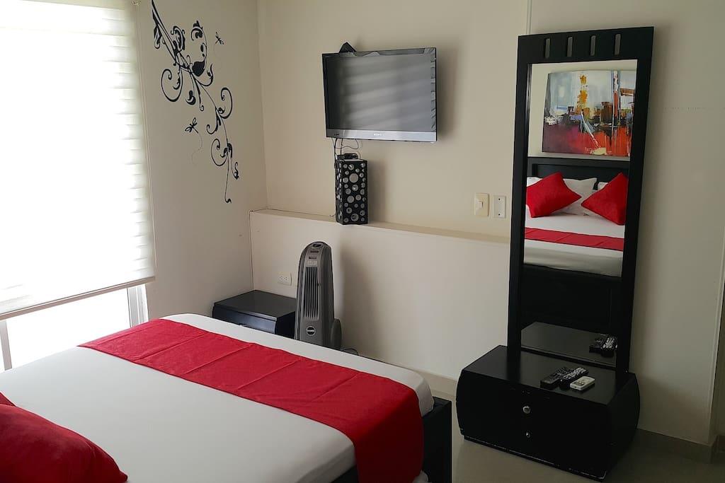 Cama doble, cama nido doble, A.acondicionado, Baño privado, Tv, Vistas al mar