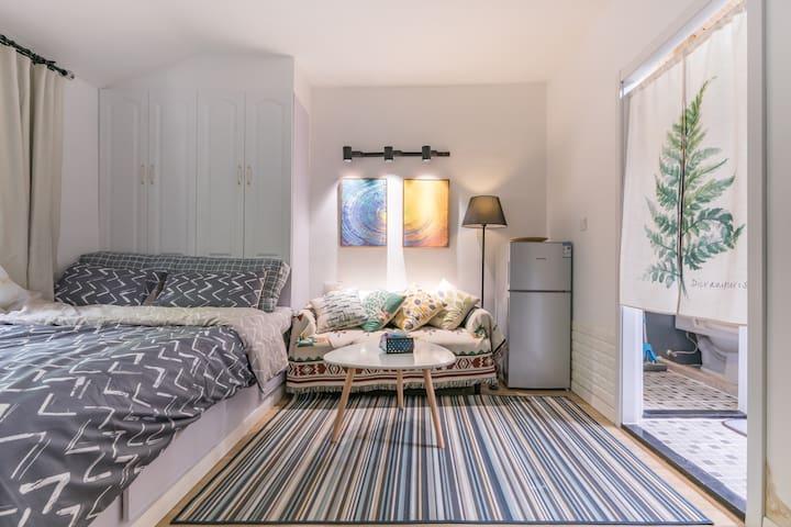 【特价】{屋哇哈}田子坊零距离,一室户独立空间,配备大床房