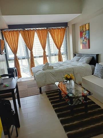 A Cozy Unit in Eastwood City, QC