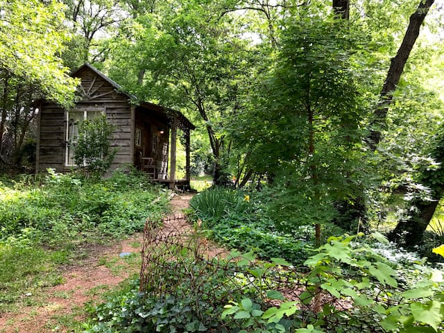 Charming Cabin Near Deep Ellum & Fair Park - Dallas - Cabin