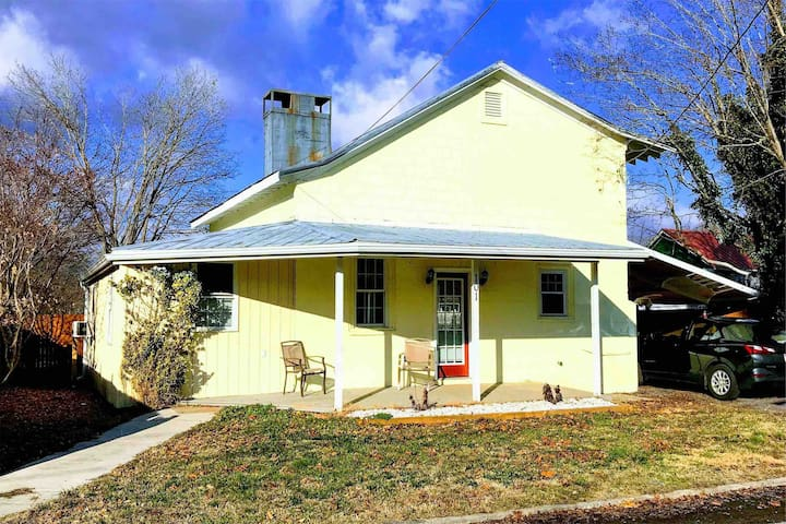 Newly Remodeled Single Home near Greenbrier River