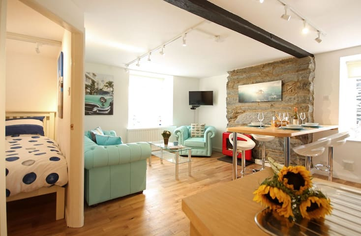 Luxury Harbour Suite with Sea View - Porthmadog - Apartament
