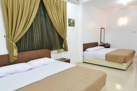 Bendera Emas Mentakab Comfort Stay - House