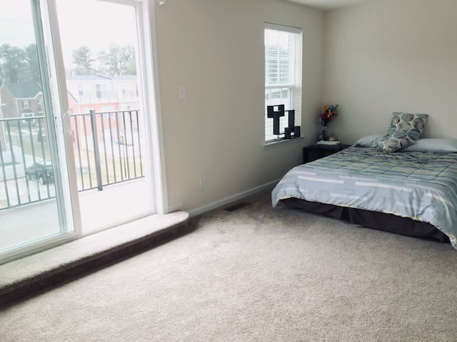 Pleasant Stay like Home In Innsbrook with Balcony