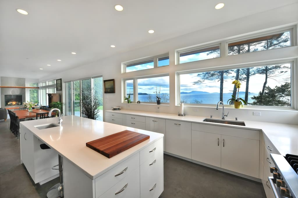 Views to the San Juans and on a clear day, the snow capped Olympic Mountains are  on the horizon.  Shared kitchen, dining, living.