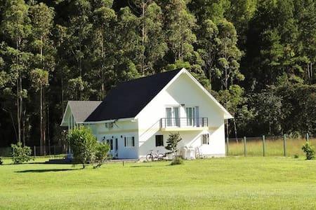 Preciosa casa en Oxapampa con finos acabados