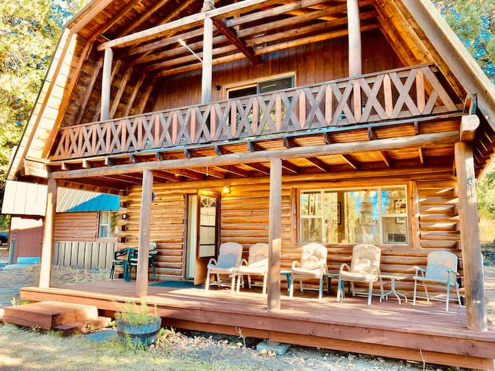 Large Downtown McCall Cabin- Walk to it All!