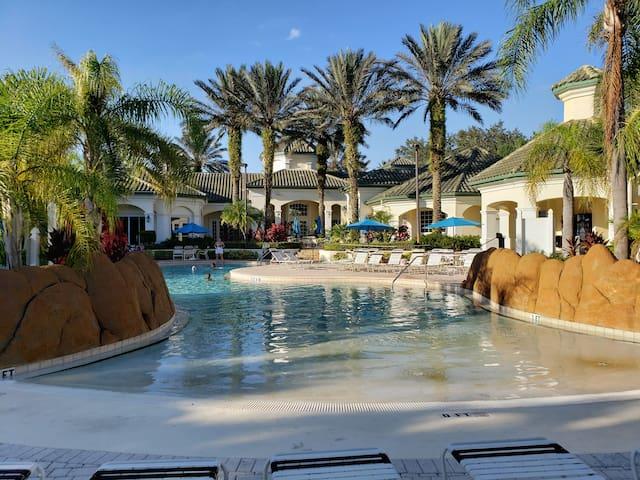 DISNEY Resort for 4 people (JAVA 51)