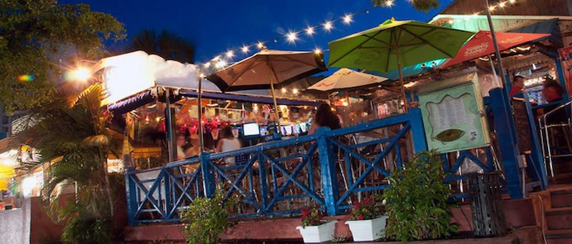 Siesta Key Oyster Bar - happy hour, 2 blocks away