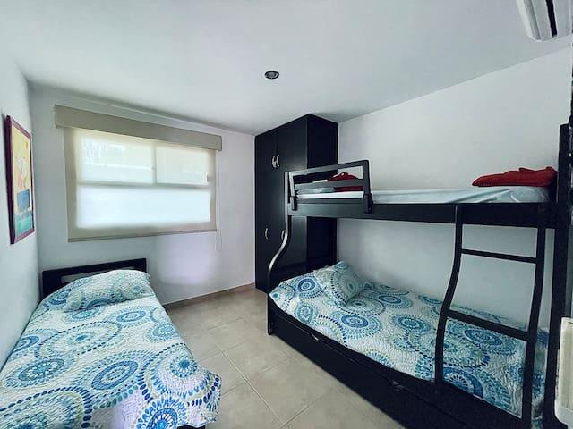 Habitación 3. / Bedroom 3.