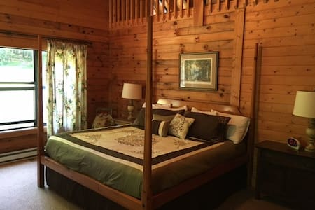 Wild Cat Knob Lodge by Buffalo Mountain Getaway - Meadows of Dan - 独立屋