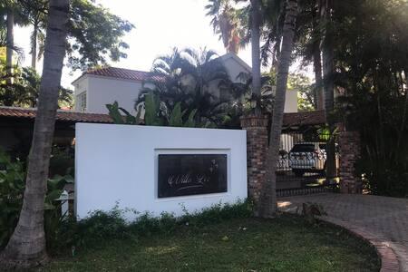 Casa de Campo Contemporáneo's Style