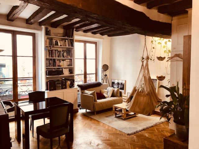 Charming & cosy apartment - heart Saint-Germain!