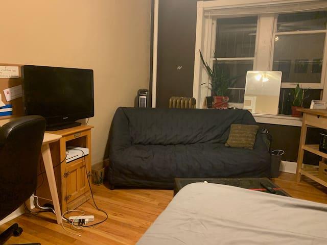 Comfy Cap Hill Studio