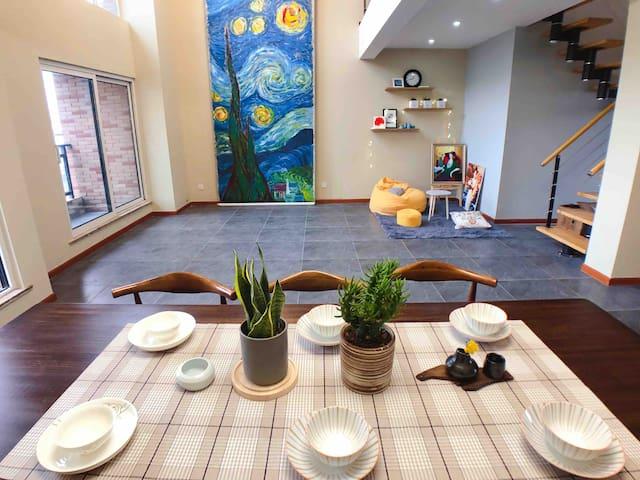《CX天空之城》江大边三层空中别墅,投影仪,自动麻将机,可做饭和鸳鸯火锅。疫情期间短长租优惠。可停车