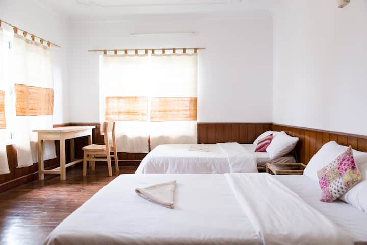Bright & Cozy Room with 2 Beds, Ananda Tree House
