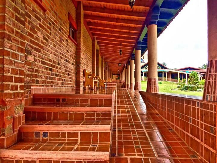 """Habitación 8 """"Convento Monarca"""""""