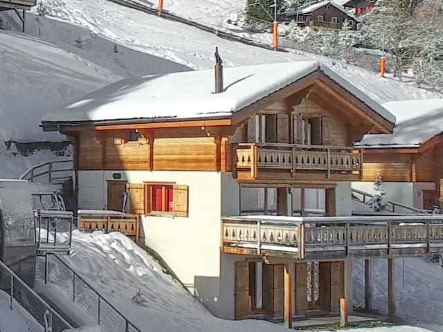 Chalet Sapin Argente (Ski-In & Ski-Out)
