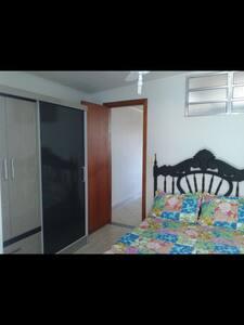 Apto a uma quadra da praia de Itaparica,V.Velha ES - Vila Velha - Wohnung