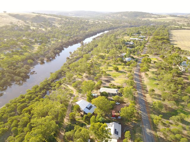 Toodyay Art Shack on Avon River