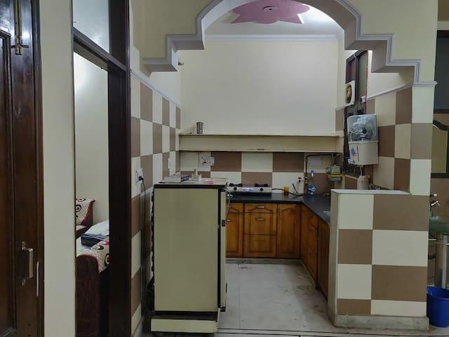 Homestay| Kitchen |Basic Amenities