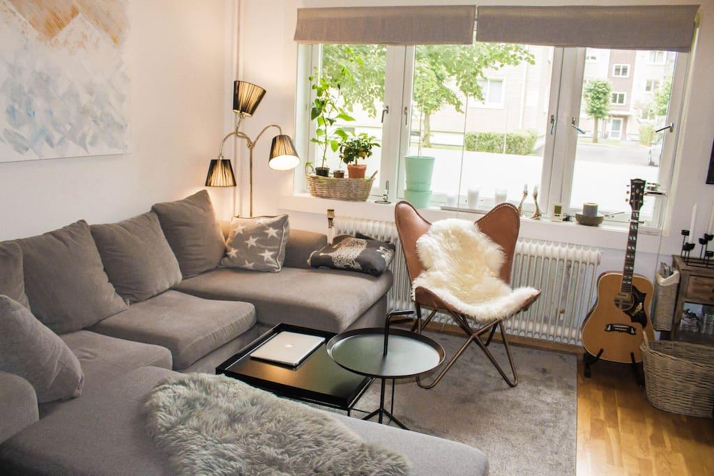 Stue (sofa kan brukes som seng)