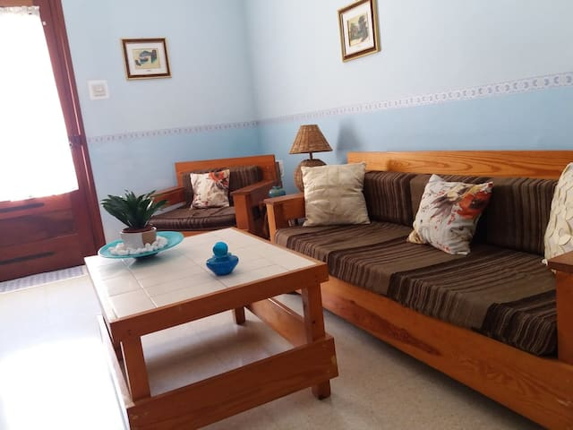 Spacious & Central Bugibba Apartment