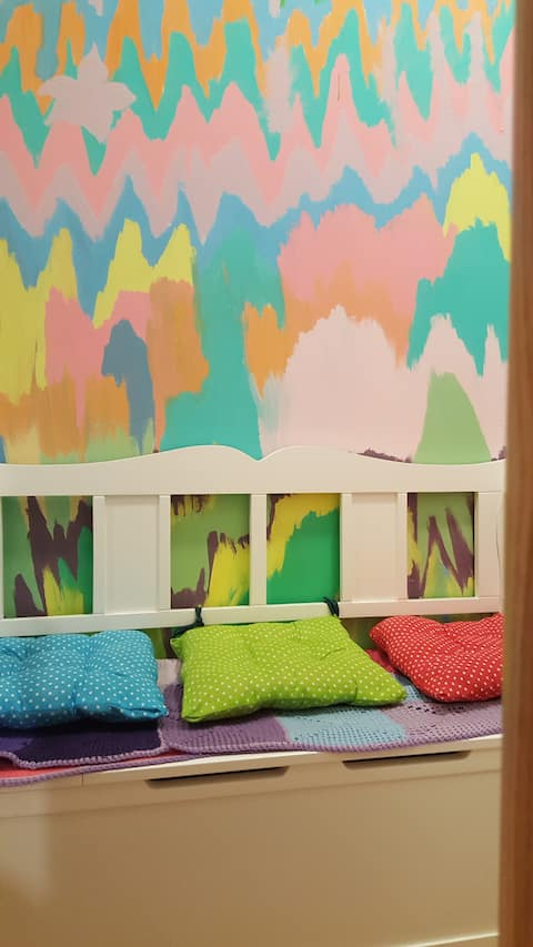 Cosy, colourful & peaceful apartment