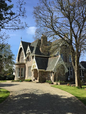 Room in victorian listed mansion - Ayr - Hus