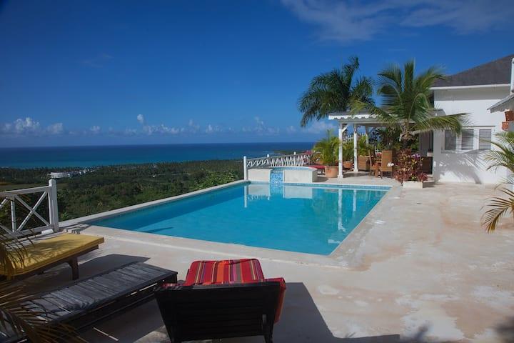 Villa Blanche, Peaceful Cozy Villa, Ocean View