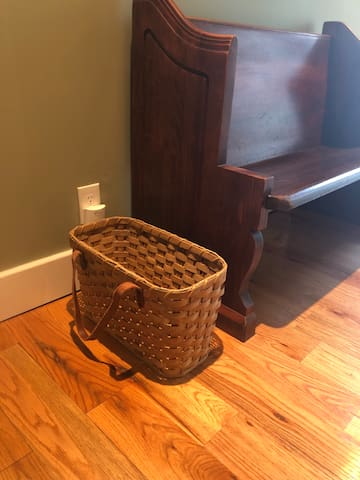 When staying with us check out the Farmer's Market steps from the back door.  We provide a shopping basket for your convenience. Open May-October... Tuesdays, Fridays, Saturdays 7:30-12:00