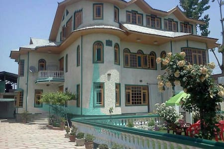A beautiful Bungalow - Srinagar - Haus