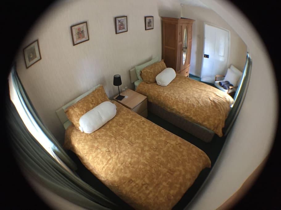 Bedroom (2nd view)