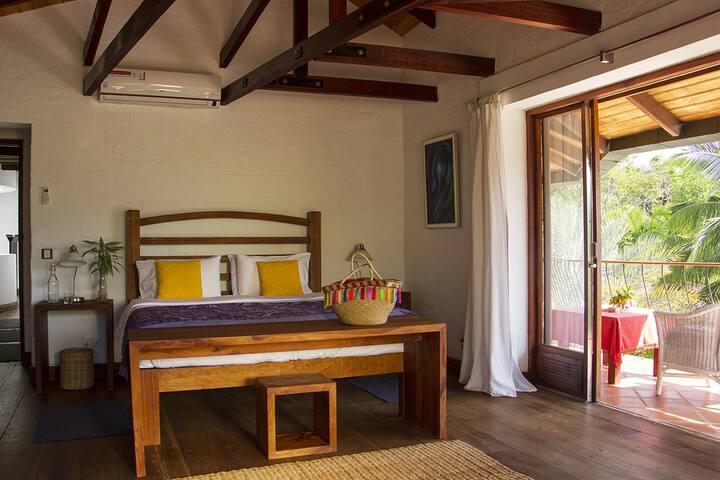 Villa Bedroom - Bougainvillea Retreat